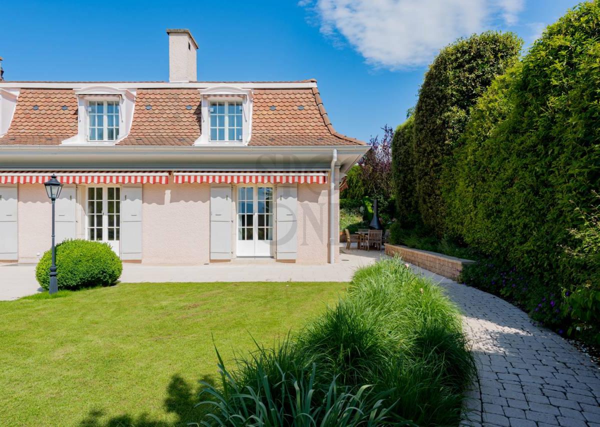 Magnificent renovated villa