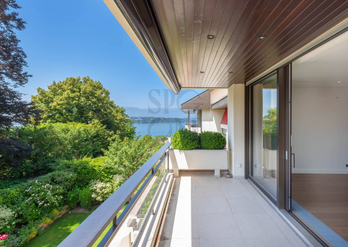COLOGNY - Splendid apartment with Lake view