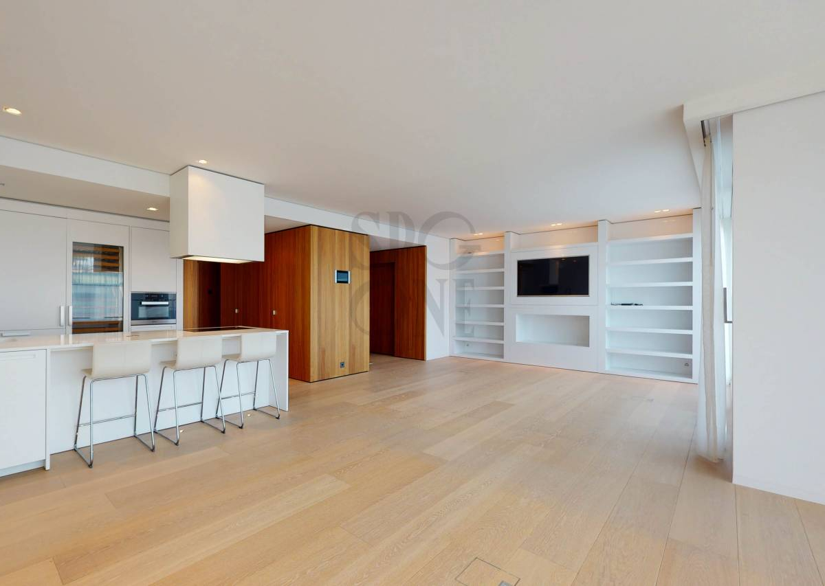 Standing apartment in a secure residence